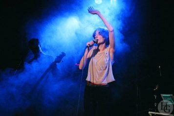 Jeanne Balibar Cabaret Vauban Brest vendredi 30 janvier 2004 par Herve Le Gall.