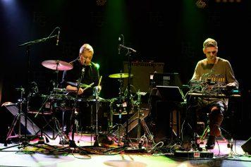Duo Jaki Liebezeit et Burnt Friedman au Run ar Puns Festival Sonore samedi 24 mai 2014 par Herve Le Gall.