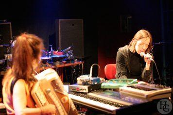 Andrea Parkins et Jessica Constable Espace Vauban Brest jeudi 20 janvier 2005 par herve le gall photographe cinquieme nuit