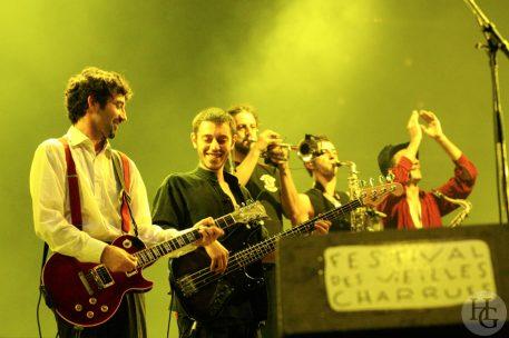 Babylon circus Festival les Vieilles Charrues samedi 22 juillet 2006 par herve le gall photographe cinquieme nuit