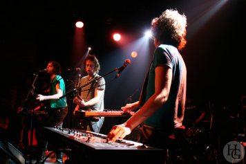 Chikinki Run ar Puns concert du samedi 24 février 2007 par herve le gall photographe cinquieme nuit