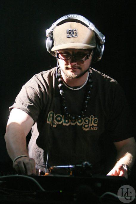 DJ Vadim Run ar Puns Châteaulin samedi 17 mai 2008 par herve le gall photographe cinquieme nuit