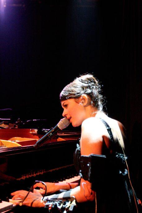Emilie Simon Run ar puns concert du samedi 22 avril 2006 par herve le gall photographe cinquieme nuit