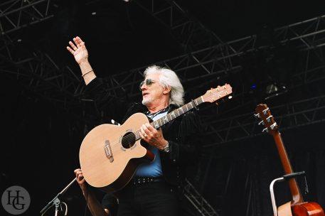 Hugues Aufray Festival des Vieilles Charrues dimanche 25 juillet 2004 par herve le gall photographe cinquieme nuit