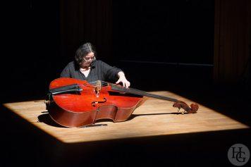 Joëlle Léandre solo au Conservatoire de Brest Atlantique jazz festival 20 octobre 2013 par herve le gall photographe cinquieme nuit