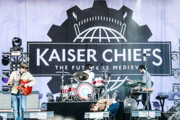 Kaiser Chiefs Festival les Vieilles Charrues jeudi 14 juillet 2011 par herve le gall photographe cinquieme nuit