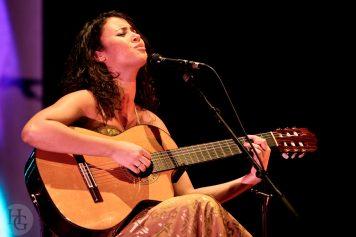 Mayra Andrade les Vieilles Charrues remettent le son 11 mars 2007 par herve le gall photographe cinquieme nuit
