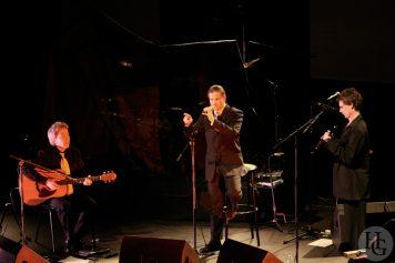 Ozan trio les Vieilles Charrues remettent le son dimanche 11 mars 2007 par herve le gall photographe cinquieme nuit