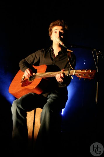Renan Luce les Vieilles Charrues remettent le son samedi 10 mars 2007 par herve le gall photographe cinquieme nuit