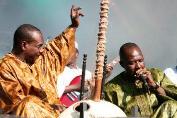 Toumani Diabate Symmetric Orchestra bout du monde 10 août 2007