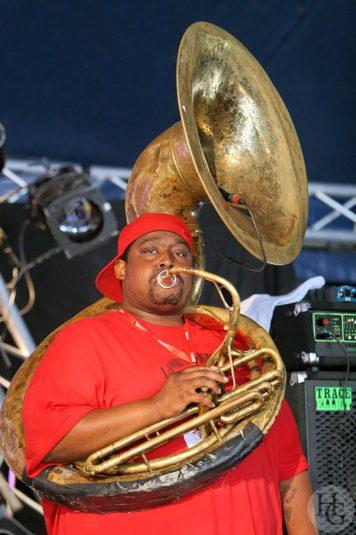 Young blood brass band Festival du bout du monde 10 août 2008 par herve le gall photographe cinquieme nuit