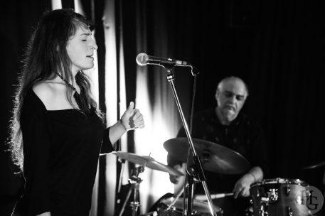 Zalie Bellacicco et Michael Zerang Conservatoire Brest Atlantique jazz festival 20 octobre 2013 par herve le gall photographe cinquieme nuit